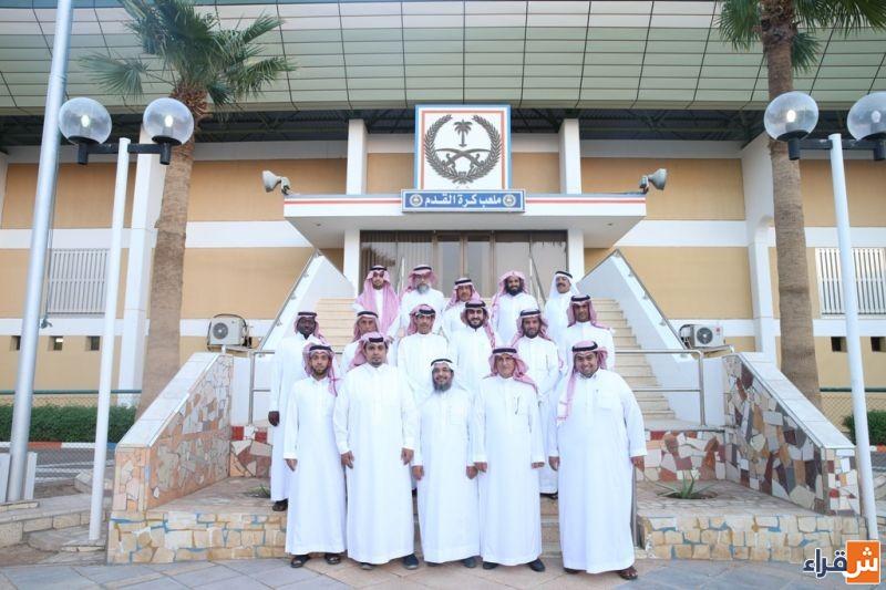 وفد من مجلس أهالي شقراء يزور مقر نادي الوشم ويلتقي بإدارة النادي