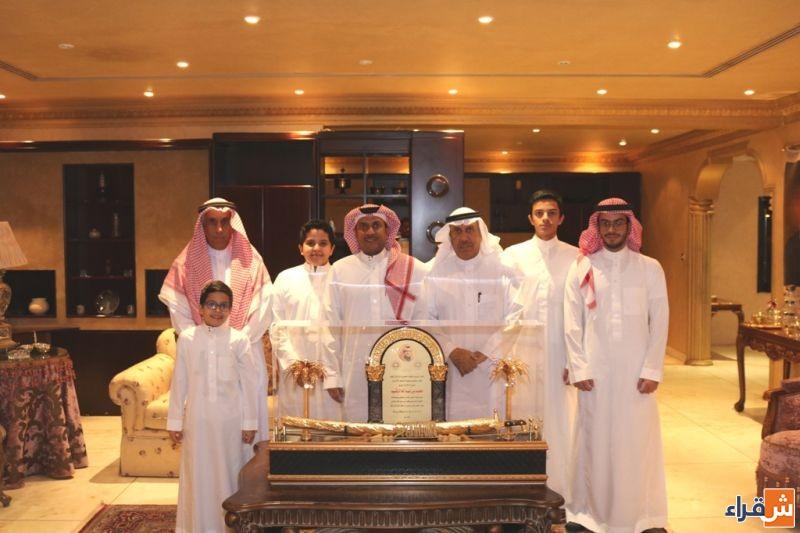 رئيس وأعضاء مجلس إدارة نادي الوشم يشكرون الأستاذ محمد بن عبدالله الرقيب