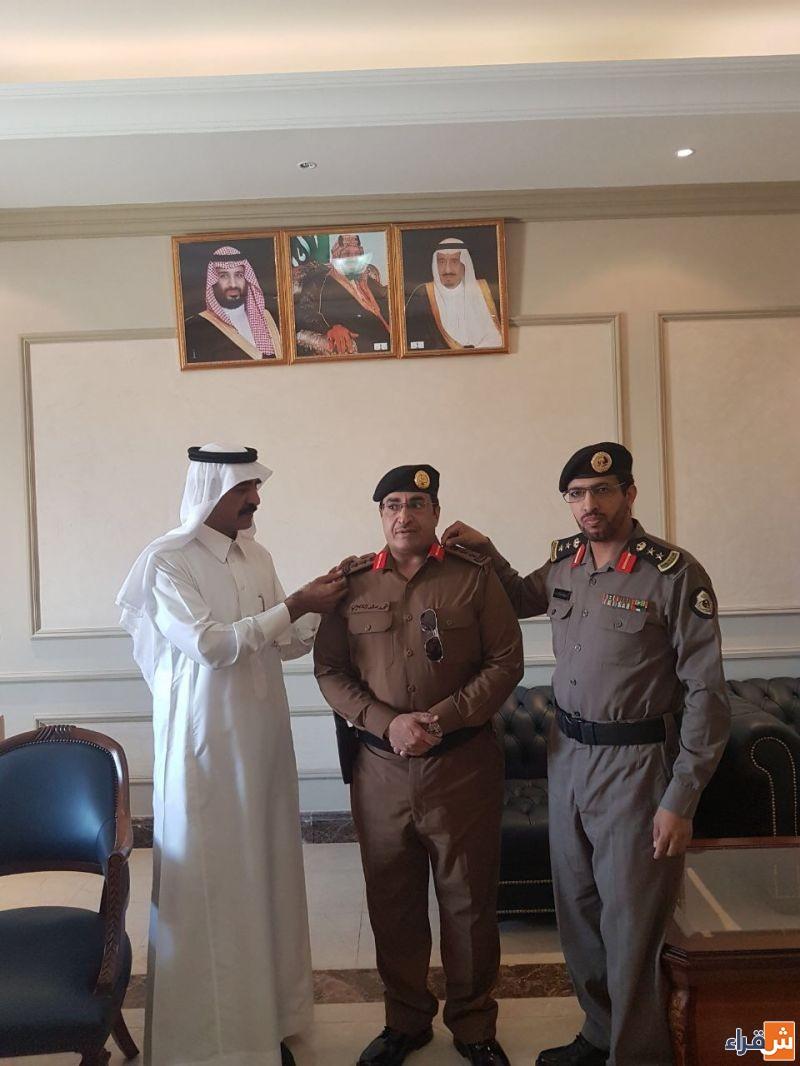 وكيل محافظ شقراء ومدير الشرطة يقلدون مدير مرور شقراء العقيد فهد العصيمي رتبته الجديدة