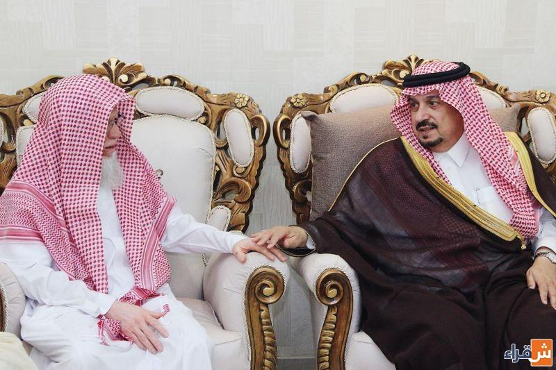 أمير الرياض يزور الشيخ منصور الجوفان في منزله بشقراء
