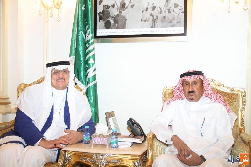 محافظ شقراء يستقبل ضيوف الندوة العلمية للشيخ المؤرخ إبراهيم بن صالح العيسى