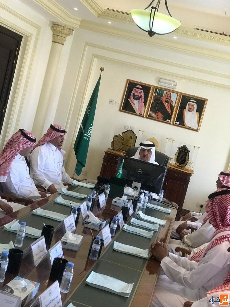 محافظ شقراء يعقد اجتماعاً برؤساء المراكز بالمحافظة