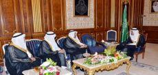 ولي العهد يستقبل وزير التعليم العالي ومديري جامعتي الملك فيصل وشقراء
