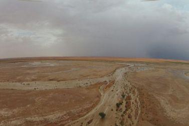 بالتصوير الجوّي والأرضي،، السالم والحمادي يبدعون في توثيق أمطار يوم الجمعة
