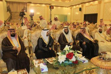 بحضور محافظ شقراء أهالي شقراء يحتفلون بمدير تعليمها السابق