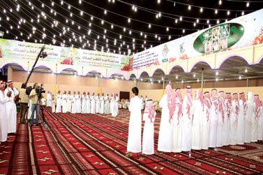 عيد القصب أربعة أيام يبدأ بهدية العيد وينتهي بسباق الخيل