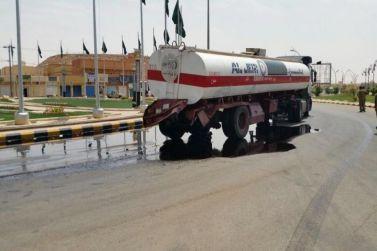 حادث أصطدام سيارة مع صهريج يؤدي إلى تسرب الوقود بمرات