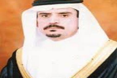 الأستاذ عبدالله القاسم يكرم المتفوقين من طلاب وطالبات القصب في حفل العيد