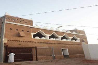بيت الشوذبي التراثي للإيجار في الديرة القديمة بشقراء
