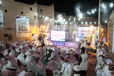 الشاعر/مرزوق الثبيتي والشاعر/محمد السكران يحييون مهرجان القرية التراثية بأشيقر