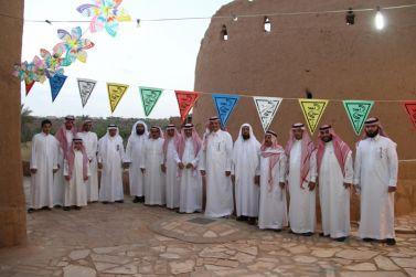 أمين عام مجلس منطقة الرياض يزور قرية أشيقر التراثية