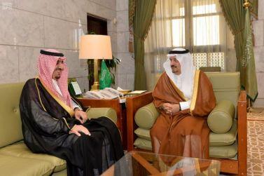 أمير منطقة الرياض يستقبل مدير عام التعليم
