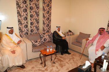 سمو أمير الرياض وسمو نائبه يطمئنون على صحة محافظ شقراء