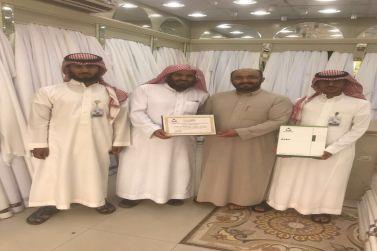 خياط الشعب يقدم كسوة العيد لأبناء جمعية إنسان بشقراء