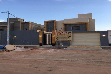 للبيع فلة سكنية جديدة بمخطط 1052 القرائن لدى مكتب المستشار للعقارات