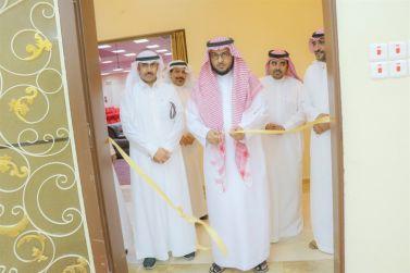 الدكتور الشبانة يفتتح معرض موهبة وعطاء لوطن معطاء