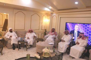 عضو شرف نادي الوشم الأستاذ عبدالرحمن العيد يستضيف اجتماع اللجنة الاستشارية