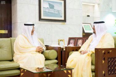 نائب أمير الرياض الأمير محمد بن عبدالرحمن يستقبل محافظ شقراء عادل البواردي