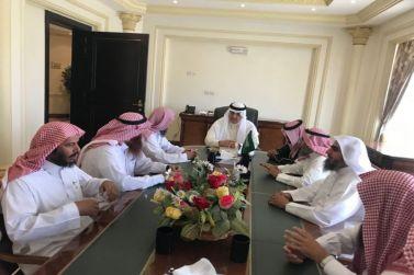 محافظ شقراء البواردي يستقبل رئيس وأعضاء الجمعية الخيرية لتحفيظ القرآن الكريم