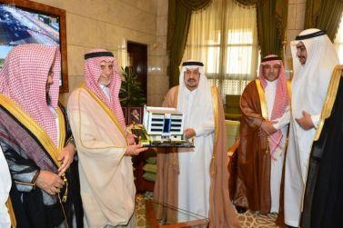 سمو أمير منطقة الرياض يبارك مجلس إدارة عناية الجديد ويطلع على أنشطتها وإنجازاتها خلال ترأسه لاجتماع الدوري للمجلس