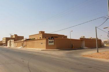 للبيع في شقراء قصر واسع  بمساحة ٢٣٠٠ متر على ٤ اراضي  و ٣ شوارع راس بلك لدى إعمار للعقارات