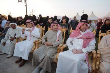 بحضور المالكي والحسين والفهيد.. رئيس بلدية مرات يفتتح فعاليات مهرجان ربيع مرات2