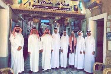 محافظ ثادق وأعضاء المجلس البلدي بثادق يتجولون في تراث شقراء وأشيقر