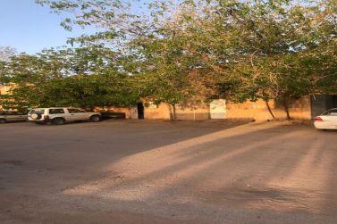 للبيع موقع تجاري بيتين بصكين تجاريات علي طريق الملك عبدالله مقابل دوار الشرطة
