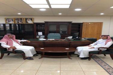 رئيس بلدية شقراء المهندس الحمادي يباشر عمله اليوم ويتفقد أقسام البلدية ويرفع شكره لمعالي الأمين