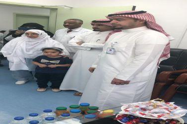 مدير مستشفى شقراء يفتتح عيادة الرضاعة الطبيعية