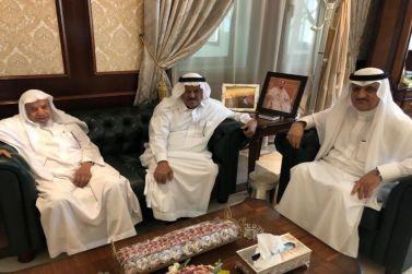 محافظ شقراء يستقبل الشيخ حمد الرقيب ويقدر دعمه الدائم