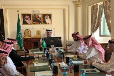 محافظ شقراء يجتمع مع المدير التنفيذي لفرع الهيئة العامة للغذاء والدواء بالقطاع الأوسط