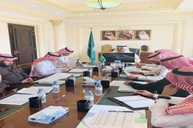 محافظ شقراء يجتمع مع المدير التنفيذي لفرع هيئة الغذاء والدواء بالقطاع الأوسط