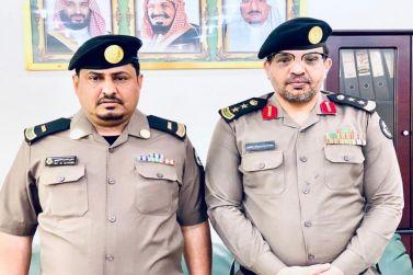 """مدير شرطة شقراء يقلّد """" العصيمي"""" رتبة """"رئيس رقباء"""""""