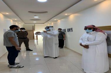 محافظ شقراء يقوم بجولة تفقدية للوقوف على أعمال ومنجزات لجنة دراسة مساكن العمال في المحافظة