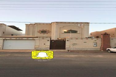 فيلا للبيع درج صاله في الصفراء بالقرب من ثانوية الملك عبدالله