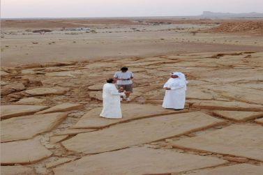 د الراشد/ يكتشف نقوش ثموديه على ثلاث صخور  تصل لثلاثة أمتار