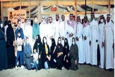 فريق «الإعلام الجديد» يزور مهرجان التمورالأول بمحافظة مرات