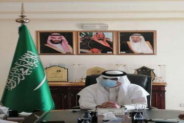 محافظ شقراء يعقد اجتماعاً مع مشرف أول عمليات تشغيل محطات الوزن