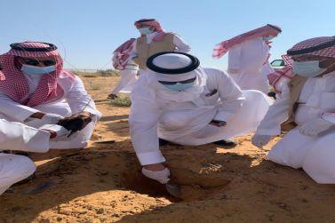 . محافظ شقراء يدشن حملة التشجير في موقع المصب بالنفود الشرقي