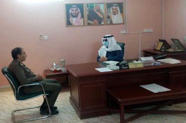 محافظ شقراء عادل البواردي يزور مخفر شرطة القصب