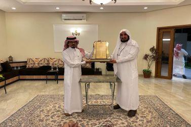 د أبوعباة يكرم سعادة اللواء الدكتور محمد بلغيث البارقي
