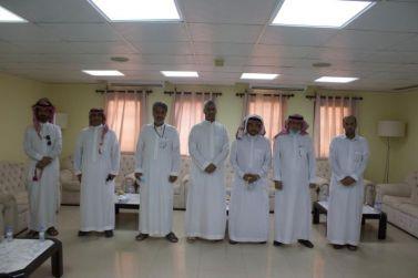 المهندس عبد الرحمن البواردي يزور نادي الوشم ويقدم دعماً مالياً سخياً