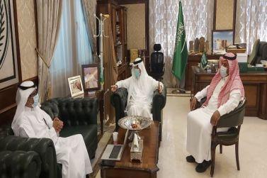 محافظ شقراء يجتمع بمدير عام شؤون الإسكان بمنطقة الرياض